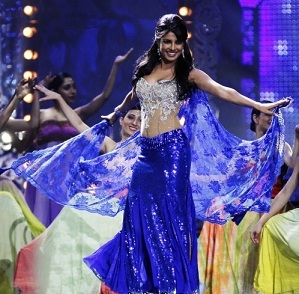 Priyanka_Chopra_at_IIFA_2011_R8
