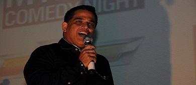 Suneet Luthra at the 10th Annual MyBindi Comedy Night